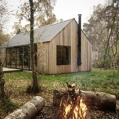 Building A Shed 528750812497384771 - Autumn clean up; fallen logs go in the firewood shed and smaller branches on the bonfire… Source by claireadela Contemporary Barn, Modern Barn, Modern Farmhouse, Cabins In The Woods, House In The Woods, Firewood Shed, Shed Homes, Building A Shed, Building Plans