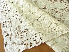 Antique linen tablecloth with filet lace, cutwork. Cutwork Embroidery, White Embroidery, Embroidery Stitches, Embroidery Patterns, Machine Embroidery, Antique Lace, Vintage Lace, Safari, Linens And Lace