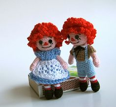 free crochet patterns for Raggedy Ann & Andy | Online Crochet Patterns | Crochet Raggedy Ann - I love these as a little girl! Still have my ceramic dolls my grandma made for me & hand painted on her own. <3: