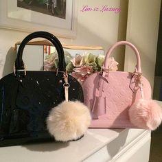 2019 New Louis Vuitton Handbags Collection for Women Fashion Bags have it Handbags Michael Kors, Luxury Handbags, Louis Vuitton Handbags, Fashion Handbags, Purses And Handbags, Fashion Bags, Cheap Handbags, Fashion Fashion, Tote Handbags