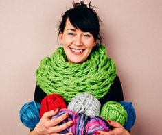 You'll enjoy making this gorgeous 30 minute scarf that you knit with your arms. It's a FREE Pattern and video.