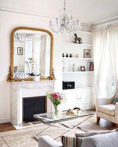 Home Living, Living Room Decor, Living Spaces, French Living Rooms, Parisian Room, Parisian Style, Parisian Chic Decor, Deco Studio, Elegant Homes