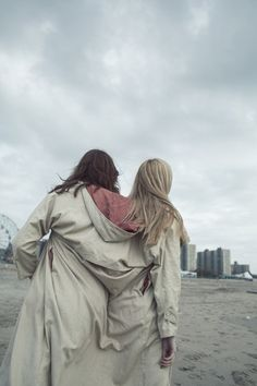 Oyster Fashion: 'Siamese Dream' Shot By Franey Miller   Fashion Magazine   News. Fashion. Beauty. Music.   oystermag.com