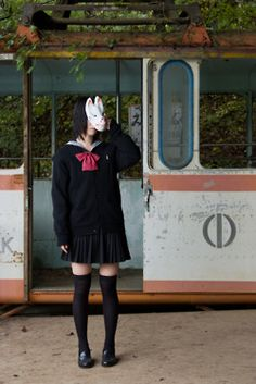 ヾ(*´∀`*)ノキャッキャ shared by Vilaceus~ on We Heart It Aesthetic Japan, Japanese Aesthetic, Aesthetic Photo, Aesthetic Pictures, Aesthetic Grunge, Mask Japanese, Japanese Girl, Human Poses Reference, Photo Reference