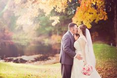 If you're in the mood for some full on fall splendor, you've come to the right place because today we're kicking things off with a quintessential Connecticut beauty. Captured by the very talentedLindseyK Photographythis vintage affairis equally asradiant as thecrisp October air. We adore the pink + blush color palette and the lace details. VENDORS read more...