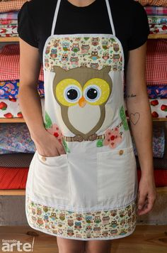 cute for an owl kitchen theme Sewing Hacks, Sewing Crafts, Sewing Projects, Owl Patterns, Sewing Patterns, Owl Kitchen, Owl Fabric, Cute Aprons, Owl Crafts