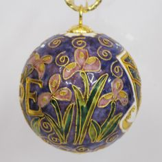 This Sigma Kappa ornament is handmade, gold plated, genuine cloisonne. This design is officially licensed, and each ornament comes in a silk covered ornament gift box, and is included in the price. Glass Ornaments, Christmas Bulbs, Delta Phi, Holiday Decor, Gold, Christmas Light Bulbs, Yellow