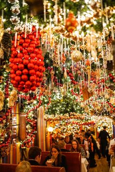Christmas Tree Decoration Ideas in New York 2017 - Onechitecture