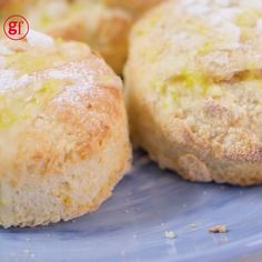We've combined two of your favourite baking recipes to create one tea party treat - zingy lemon drizzle cake and traditional English scones Lemon Drizzle Cake, Lemon Loaf Cake, English Scones, Irish Scones, Baking Recipes, Cookie Recipes, Bread Recipes, Baking Videos, Food Videos
