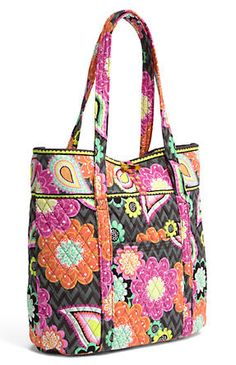 My new favorite Vera Bradley bag/pattern: Vera in Ziggy Zinnia!!  I love all the pockets inside making this such an organized bag when I'm out and about during the day.