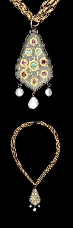 Turkey | Ottoman pendant; jade inlaid with turquoise rubies and gold, with pendant pearls and silver gilt mount | ca. 17th century | Est. 1'200 - 1'500£ ~ (June '15)