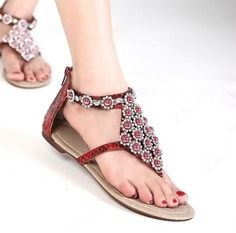Sexy Behemian PU Upper Flat Thong Sandals With Rhinestones