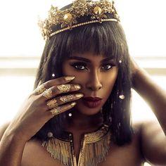 Queen  #blackgirlmagic #munabeauty / #Repost @mariannaharutunian  #Repost @thebrandyhaze  Today a queen was born!  Happy Birthday to Me  Makeup: @mugopus  Photographer: @orinary Crown/Rings: @mariannaharutunian