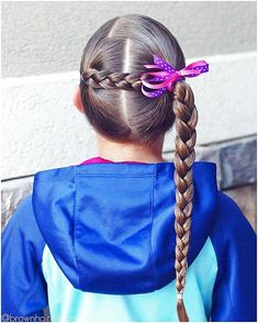 Side braid hairstyles are the ultimate cure for a lifeless mop of long hair. If you're looking for a suitable way to liven up your Rapunzel-like stands, one of these twenty side braids will be sure to sweep you right off your feet! Lil Girl Hairstyles, French Braid Hairstyles, Princess Hairstyles, Braided Hairstyles Tutorials, Easy Hairstyles, Hair Tutorials, Wedge Hairstyles, Girl Hair Dos, Baby Girl Hair
