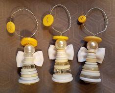 Set of 2 Button Angel Ornaments - weihnachten - unique crafts Button Ornaments Diy, Christmas Button Crafts, Ornaments Image, Christmas Buttons, Cheap Christmas Gifts, Angel Ornaments, Diy Christmas Ornaments, Christmas Angels, Holiday Crafts