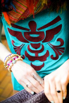 Top,alsooffered by the future most of the day New Yorkers married. Perfect emerald green, burgundy embroidered ethnic pattern. _WID9655