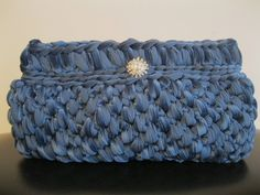Crochet light blue pochette