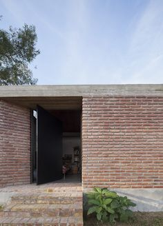 Casa Bovero by Germán Müller is a house among eucalyptus trees in rural Argentina Brick Architecture, Architecture Details, Brick Detail, Brick Facade, Brick Building, Pool Houses, House Design, Ramen, Outdoor Decor