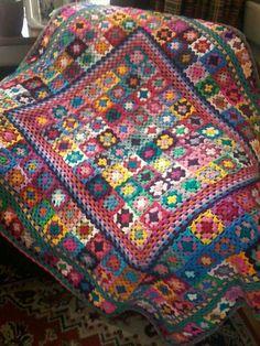 Crochet 'Spitspot Summer Love Blanket' Crochet along (CAL) Granny Square Crochet Pattern, Crochet Granny, Crochet Blanket Patterns, Crochet Stitches, Afghan Patterns, Crochet Squares Afghan, Crochet Cushions, Crochet Quilt, Crochet Blocks