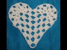 Applique Crochet - YouTube Triangles, Appliques, Crochet, Youtube, Diamond Pattern, Peek A Boos, Pretty, Daughters, Riveting