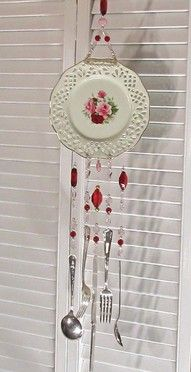 chimes trash to treasure - Google Search Where have I seen that utensil wind chime before? Something from the 90s.