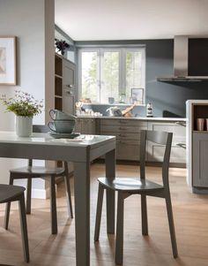 Eine Landhausküche, die in jede moderne Stadtwohnung passt : Landhausstil-Küche von Schmidt Küchen