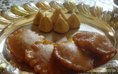 Classic Chettinad Kitchen: Karupatti (Palm Jaggery) Paniyaram and Elai Maavu for Pillayar Nonbu Traditional Indian Food, Home Food, Pretzel Bites, Indian Food Recipes, Palm, Appetizers, Bread, Snacks, Kitchen