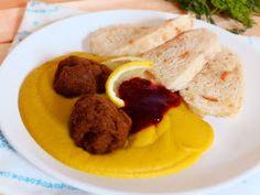 """Veggie Fish: Veganská """"svíčková"""" omáčka, domácí houskový knedlík a seitan"""