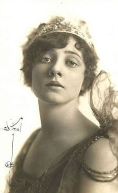 Betty Blythe 1893 - 1972 An American actress best known for her...