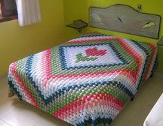 Renkli battaniyelerden yataklar için örgü örtüler | Örgü Modelleri - Örgü Dantel Modelleri