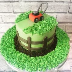 Lawn mower cake A backyard trimmer or even lawnmower is usually the most 2nd Birthday Cake Boy, 4th Birthday Party For Boys, 60th Birthday Cakes, Birthday Celebration, Lawn Mower Cake, Grass Cake, Dad Cake, Fathers Day Cake, Cakes For Boys