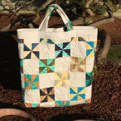 I completed a small tote bag to hold my Accuquilt Go machine. Go Fit, Bonnie Hunter, Small Tote Bags, Tote Purse, Beautiful Bags, Bag Making, Diaper Bag, Scrap, Quilts