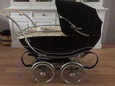 Vintage Pram, Baby Prams, Kids And Parenting, Cute Kids, Baby Strollers, Chair, Recliner, Pram Sets, Prams
