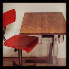 Bureau d'écolier - Becbunzen mobilier vintage & industriel