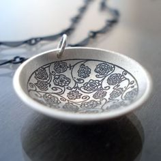 Etched Silver Rose Garden Necklace