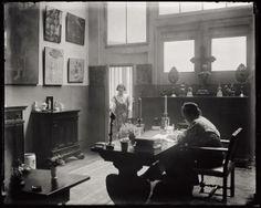 * Gertrude Stein and Alice Toklas in the atelier at 27 rue de Fleurus, Paris, 1922 photo Man Ray