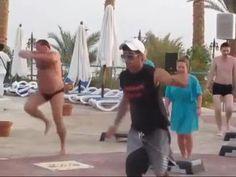 ... Feriado é tão bom que até exercício físico vira diversão!