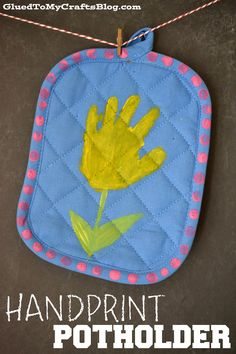 Here is a fast an easy Mother's Day gift Idea for Mother's Day! Here is a fast an easy Mother's Day gift Idea for Mother's Day! Helping Hands Mother's Day Gift Idea… The Dollar Store Daycare Crafts, Sunday School Crafts, Classroom Crafts, Toddler Crafts, Baby Crafts, Kid Crafts, Preschool Crafts, Mothers Day Crafts For Kids, Fathers Day Crafts
