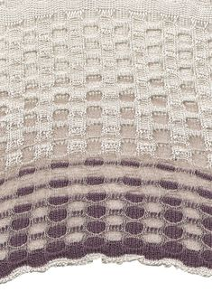 Rebecca Thorpe_reversible circle detail