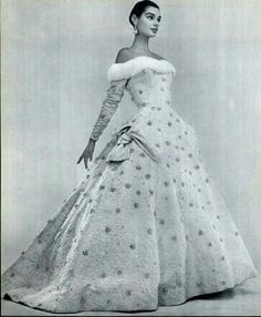 Jacky Mazel wearing Madeleine de Rauch, 1957. Photograph by Guy Arsac.