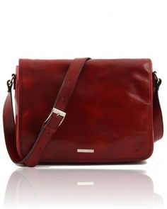 """Messenger bags define """"hip"""" by being nearly an anti-fashion statement. They look casual and trendy all at once. This attractive Italian leather messenger freestyle leather bag offers both that style and convenience."""