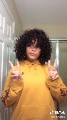 Short Hair Styles For Women Straight Bangs, Short Bangs, Short Hair With Layers, Short Hair Cuts For Women, Hair A, Your Hair, Medium Hair Styles, Short Hair Styles, Slender Girl