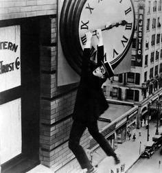 """Harold Lloyd en """"El Hombre Mosca"""" (Safety Last), 1923"""