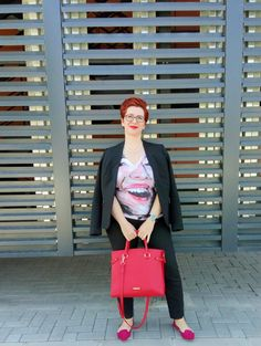 The can have a approach with colored accessories/ Black Suits, My Outfit, Plus Size Fashion, Classic, Casual, Accessories, Outfits, Color, Derby