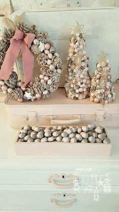 Garland for me … - Decoration For Home Christmas Ornament Crafts, Christmas Decorations To Make, Holiday Crafts, Christmas Wreaths, Homemade Christmas Gifts, Diy Weihnachten, Pink Christmas, Christmas Inspiration, Bunting