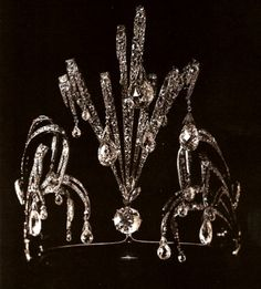 Waterfall diadem created by Chaumet for the Grand Duchess Vladimir's 25th wedding anniversary, now in the possession of the Henckel-Donnersmarck family