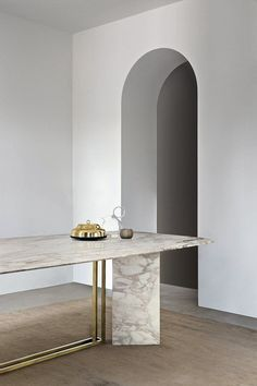 Dining table ideas, marble and brass such a luxury conbination| www.bocadolobo.com/ #luxuryfurniture #designfurniture