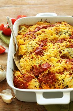 Healthy Dinner Ideas Easy To Make : HEALTHY Spaghetti Squash Lasagna Bake! 10 ingredients, plant-based, SO delicious. Spaghetti Squash Lasagna, Spaghetti Squash Recipes, Vegetarian Spaghetti, Veggie Spaghetti, Spicy Spaghetti, Baker Recipes, Cooking Recipes, Crockpot Recipes, Chicken Recipes
