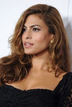 Here is Eva Mendes' latest hairstyle, she wears a sexy side parted long wavy hair style at present. Description from hairstylesweekly.com. I searched for this on bing.com/images