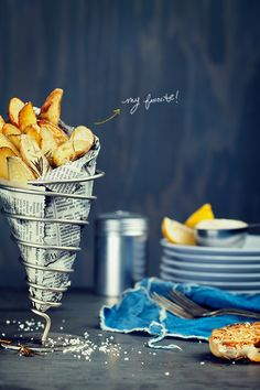love the styling of this photo // ROSEMARY POTATOES RECIPE - DesignLoveFest blog